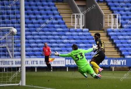 Madejski Stadium, Reading, Berkshire, England; Josh Dasilva of Brentford scores the second goal of the match in 65th minute 0; English Championship Football, Reading versus Brentford.