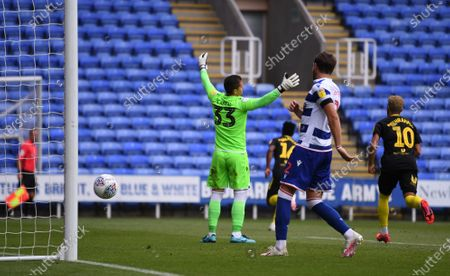 Madejski Stadium, Reading, Berkshire, England; Cabral Barbosa of Reading appeals for offside but the flag remains down; English Championship Football, Reading versus Brentford.