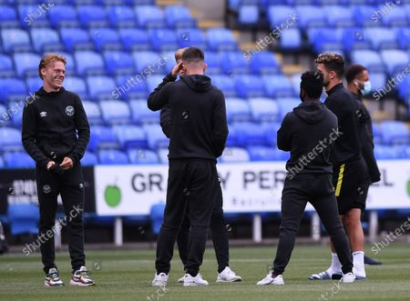 Madejski Stadium, Reading, Berkshire, England; Brentford players inspect the pitch before kick off; English Championship Football, Reading versus Brentford.