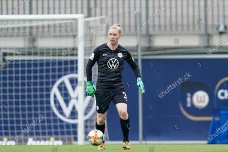 Hedvig Lindahl of Vfl Wolfsburg in goal