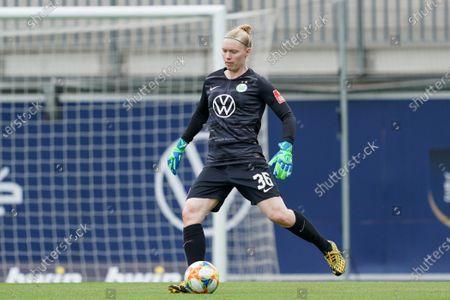Hedvig Lindahl of Vfl Wolfsburg goalkick