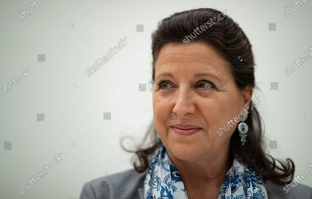 Former Health Minister Agnes Buzyn poses for photographs ahead of a hearing during a parliamentary commission of inquiry into the coronavirus crisis at the French National Assembly in Paris, France, 30 June 2020. Political leaders, government advisors and health agency directors will participate in this investigation on how the French government handled the coronavirus disease (COVID-19) pandemic.