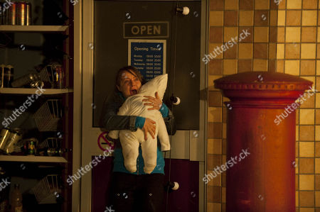 Ep 7487 Thursday 9th December 2010  Molly Dobbs, as played by Vicky Binns