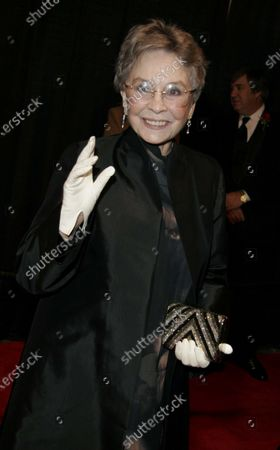 Jean Simmons at the 2005 Palm Springs International Film Festival Awards Gala at the Palm Springs Convention Center in Palm Springs, CA