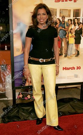 Rolanda Watts at The World Premiere of Beauty Shop at the Mann National Theater in Westwood, CA