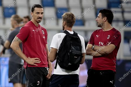Milan's Zlatan Ibrahimovic (L) with Daniele Bonera (R) on the pitch prior the Italian Serie A soccer match bbetween S.P.A.L Ferrara and AC Milan at Paolo Mazza stadium in Ferrara, Italy, 01 July 2020.