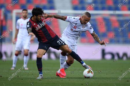 """Roberto Soriano (Bologna)Radja Nainggolan (Cagliari)                 during the Italian """"Serie A"""" match between Bologna 1-1 Cagliari at Renato Dall Ara Stadium on July 01 , 2020 in Bologna, Italy."""