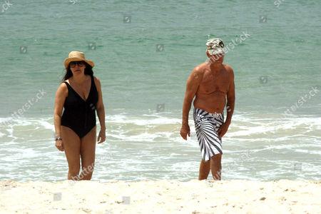 Paul Hogan and wife Linda Hogan