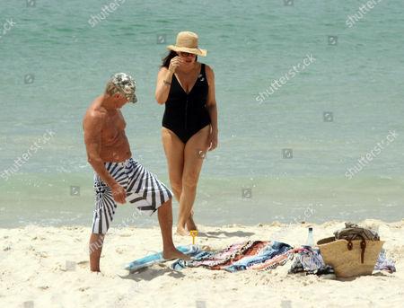 Stock Picture of Paul Hogan and wife Linda Hogan