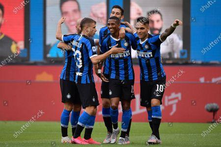 Roberto Gagliardini of FC Internazionale, Lautaro Martinez of FC Internazionale, Ashley Young of FC Internazionale, Borja Valero of FC Internazionale, Nicol Barella of FC Internazionale