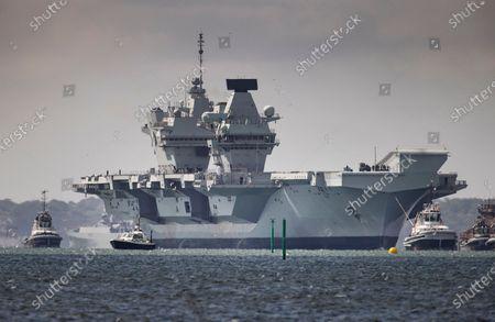 HMS Queen Elizabeth returns to Portsmouth