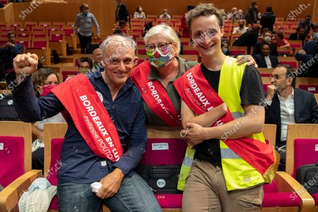 Philippe Poutou (L) a worker, trade unionist and politician from the far left in France, head of the NPA-LFI and yellow vests list Antoine Boudinet (R), and Evelyne Cervantes-Descubes (C) pose for a photo during the official election of the mayor of the new city hall of Bordeaux new mayor Pierre Hurmic (out), EELV, Europe Ecologie Les Verts, in Bordeaux, France, 03 July 2020. The transition from Bordeaux to the environmental camp took place after 73 years of right-wing domination.