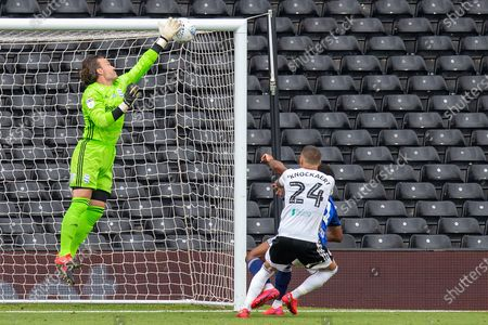 Fulham midfielder Anthony Knockaert (24) almost puts a header past Birmingham City goalkeeper Lee Camp (1) during the EFL Sky Bet Championship match between Fulham and Birmingham City at Craven Cottage, London