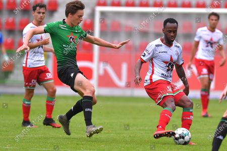Essevee's Saido Berahino fights for the ball during a friendly game between Zulte Waregem and Cercle Brugge, Saturday 04 July 2020 in Waregem, in preparation of the upcoming 2020-2021 Jupiler Pro League season.