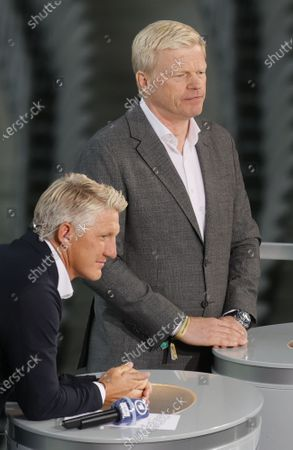 Former Bayern Munich teammates Bastian Schweinsteiger (L), in his role as Tv pundit, and Oliver Kahn (L), board member of Bayern Munich, prior to the German DFB Cup final soccer match between Bayer Leverkusen and Bayern Munich in Berlin, Germany, 04 July 2020.