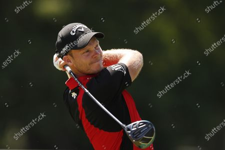 Danny Willet watches his shot from the 18th tee during the final round of the Rocket Mortgage Classic golf tournament, at Detroit Golf Club in Detroit