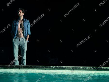 Juan Diego Botto as Oriol Calafat