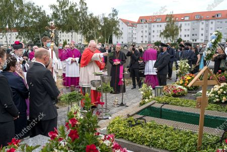 The former Chairman of the German Bishops' Conference, German Cardinal Reinhard Marx, during the burial of deceased cleric Georg Ratzinger at the catholic cemetery in Regensburg, Germany, 08 July 2020. Ratzinger, brother of Pope Emeritus Benedict XVI, has died aged 96 in Regensburg on 01 July 2020.