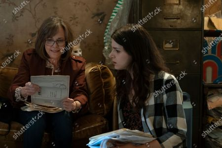 Sally Field as Janice and Eve Lindley as Simone