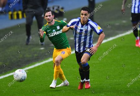 Alan Browne of Preston North End and Joey Pelupessy of Sheffield Wednesday