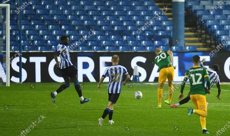 Jayden Stockley of Preston North End scores his side's second goal