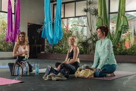 Nasim Pedrad as Wesley, Anna Camp as Brooke and Sarah Burns as Kaylie