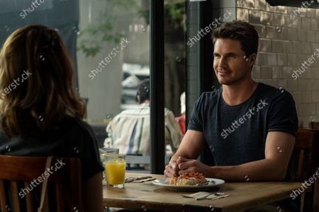 Robbie Amell as Jared