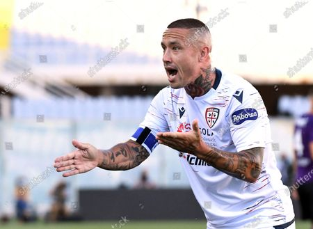 Cagliari's Radja Nainggolan reacts during the Italian Serie A soccer match between ACF Fiorentina and Cagliari Calcio at the Artemio Franchi stadium in Florence, Italy, 08 July 2020.