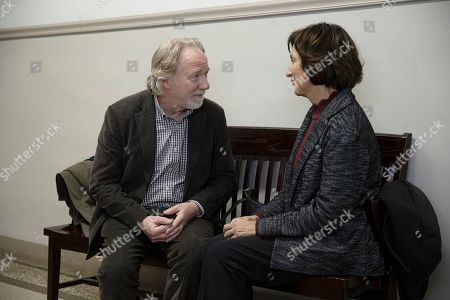 Timothy Busfield as Henry Roswell and Lisa Ramirez as Anna Fernandez