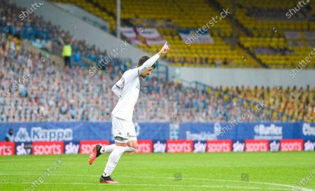 Pablo Hernandez of Leeds United celebrates scoring the fourth goal