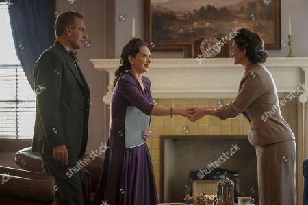 John Turturro as Rabbi Lionel Bengelsdorf, Winona Ryder as Evelyn Finkel and Caroline Kaplan as Anne Morrow Lindbergh