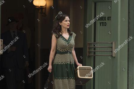 Winona Ryder as Evelyn Finkel