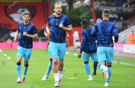 Harry Kane (C) of Tottenham warms up ahead of the English Premier League match between AFC Bournemouth and Tottenham Hotspur in Bournemouth, Britain, 09 July 2020.