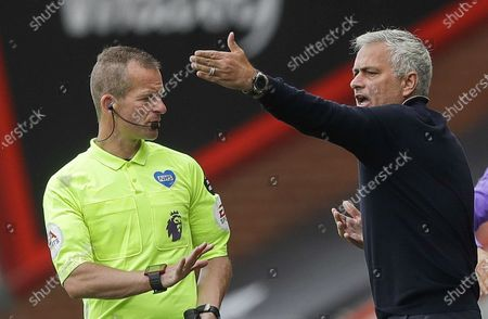 Tottenham Hotspur manager Jose Mourinho (R) reacts during the English Premier League match between AFC Bournemouth and Tottenham Hotspur in Bournemouth, Britain, 09 July 2020.