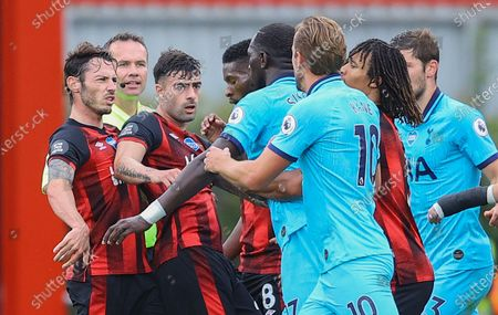 Tottenham's players and Bournemouth's players argue during the English Premier League match between AFC Bournemouth and Tottenham Hotspur in Bournemouth, Britain, 09 July 2020.