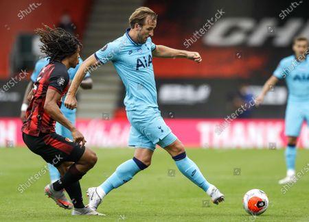 Nathan Ake (L) of Bournemouth in action against Harry Kane (R) of Tottenham during the English Premier League match between AFC Bournemouth and Tottenham Hotspur in Bournemouth, Britain, 09 July 2020.