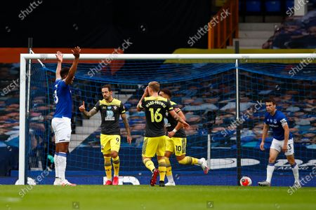 Danny Ings of Southampton celebrates after scoring a goal during the English Premier League match between Everton and Southampton in Liverpool, Britain, 09 July 2020.