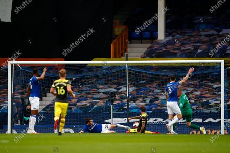 Image libre de droits de Danny Ings of Southampton scores a goal during the English Premier League match between Everton and Southampton in Liverpool, Britain, 09 July 2020.