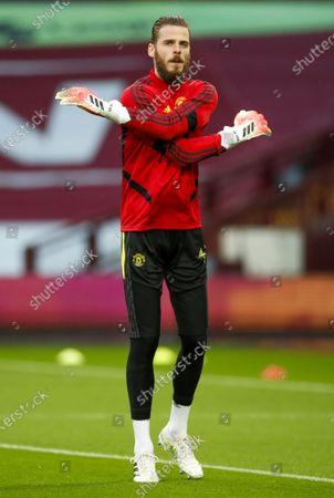 Illustration libre de droits de David de Gea, goalkeeper of Manchester United warms up prior to the English Premier League match between Aston Villa and Manchester United in Birmingham, Britain, 09 July 2020.