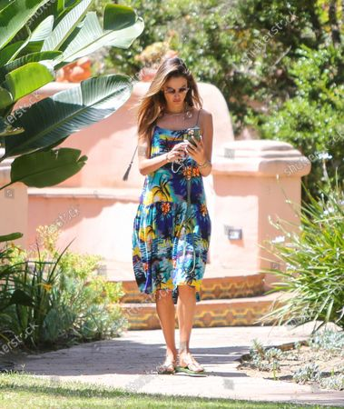 Photo éditoriale de Alessandra Ambrosio out and about, Los Angeles, California, USA - 09 Jul 2020