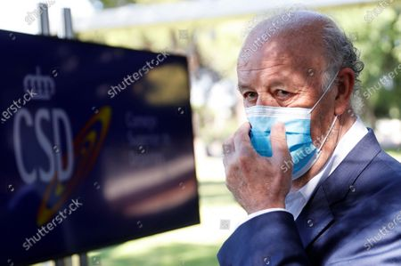 Stock Image of Former Spanish national soccer team head coach Vicente del Bosque wearing a protective face mask attends an event to commemorate the 10th anniversary of Spain's victory at the 2010 FIFA World Cup in Madrid, Spain, 10 July 2020. Spain defeated the Netherlands 1-0 after extra time in the 2010 FIFA World Cup final at Soccer City Stadium in Johannesburg, South Africa on 11 July 2010.