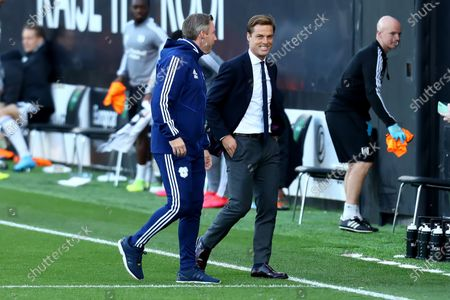 Craven Cottage, London, England; Fulham Manager Scott Parker speaks with Cardiff City Manager Neil Harris; English Championship Football, Fulham versus Cardiff City.