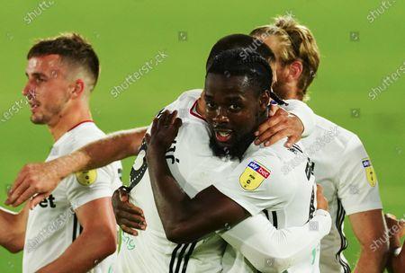 Josh Onomah of Fulham celebrates scoring a goal 2-0