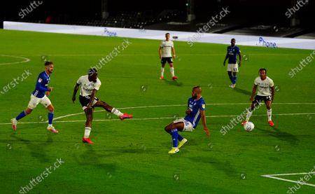Josh Onomah of Fulham scores to make it 2-0