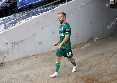 The Kiyan Prince Foundation Stadium, London, England; Barry Bannan of Sheffield Wednesday walking towards the pitch from the away tunnel before kick off; English Championship Football, Queen Park Rangers versus Sheffield Wednesday.
