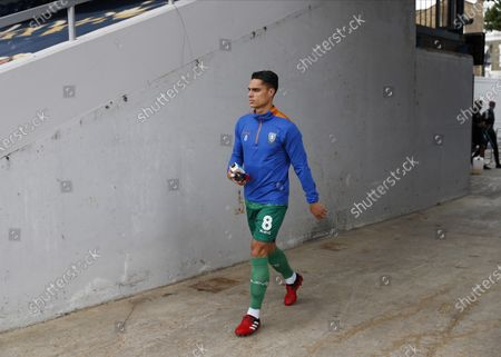 The Kiyan Prince Foundation Stadium, London, England; Joey Pelupessy of Sheffield Wednesday walking towards the pitch from the away tunnel before kick off; English Championship Football, Queen Park Rangers versus Sheffield Wednesday.