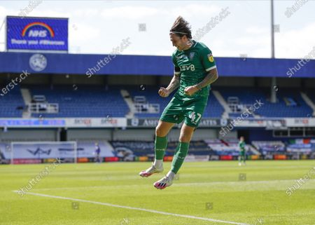 The Kiyan Prince Foundation Stadium, London, England; Josh Windass of Sheffield Wednesday celebrates after scoring his sides 2nd goal in the 45th minute to make it 0; English Championship Football, Queen Park Rangers versus Sheffield Wednesday.