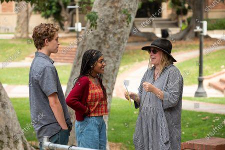 Gavin Lewis as Moody Richardson, Lexi Underwood as Pearl Warren and Liz Tigelaar Writer