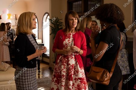Reese Witherspoon as Elena Richardson, Rosemarie DeWitt as Linda McCullough and Kerry Washington as Mia Warren