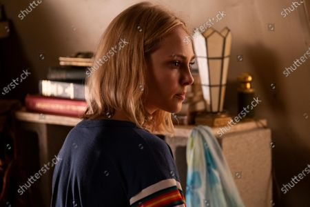 AnnaSophia Robb as Young Elena